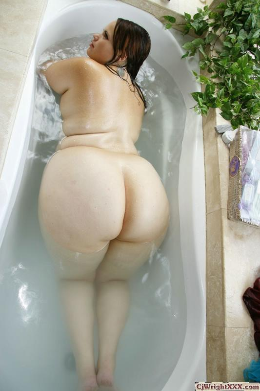Big Fat Wet Booty 31