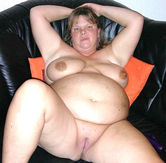Mature plump nude