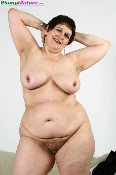 Horny wife sucks cock