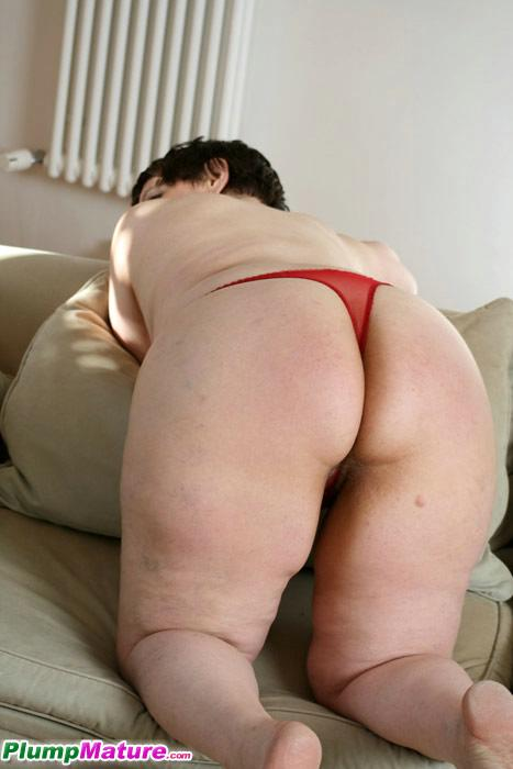 Russian mature plumper fucked and satisfied by two younger guys 9